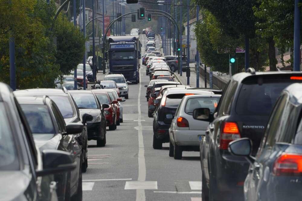 La Xunta endurece restricciones en la hostelería y la movilidad de Santiago, A Coruña y Ourense