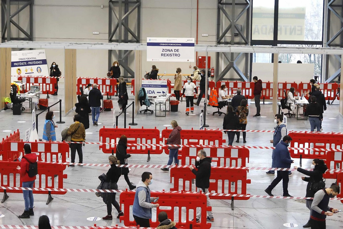El recinto vigués de Ifevi acoge pruebas de cribado masivo para detectar contagios por Covid-19. Foto: Europa Press