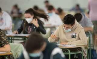 La tercera ola del Covid en Galicia golpea al sistema educativo gallego, que alcanza récord de contagios. EP.