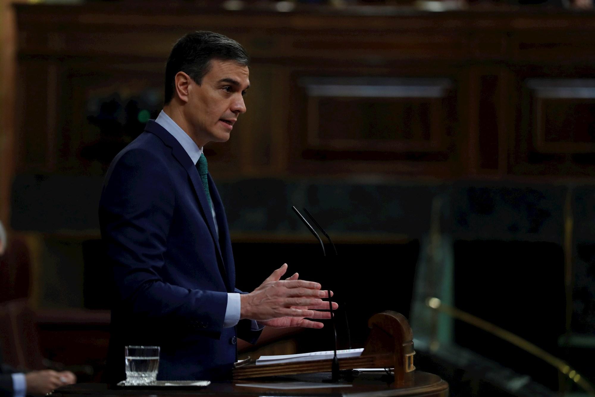 El presidente del Gobierno, Pedro Sánchez, interviene este miércoles durante la sesión de control en el Congreso de los Diputados. EFE/Emilio Naranjo