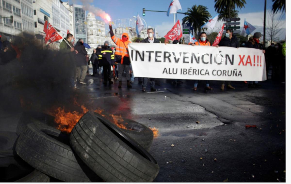 Protesta de los empleados de Alu Ibérica A Coruña. Cabalar / EFE