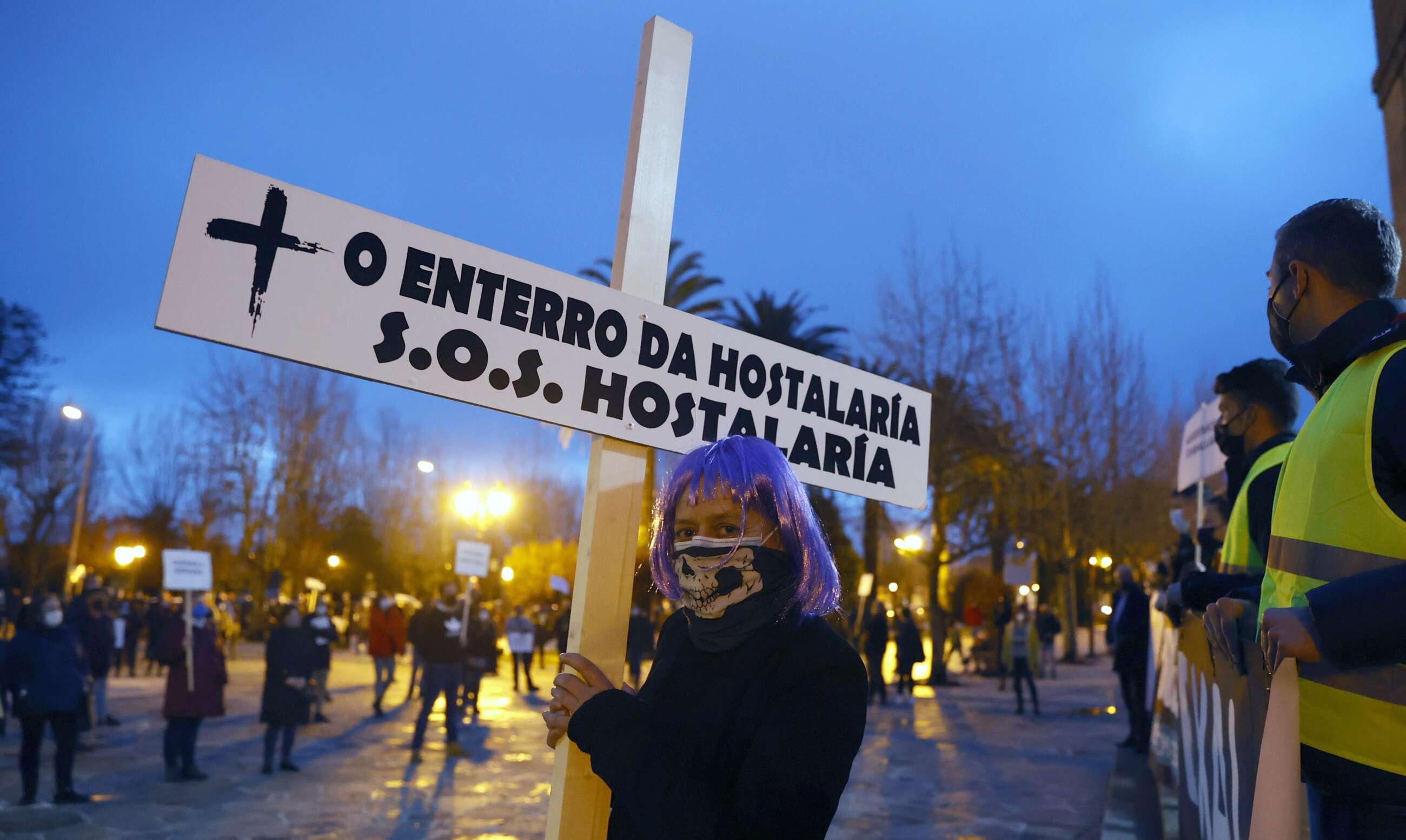 Hosteleros exigen un plan de rescate ante el cierre del sector en Galicia