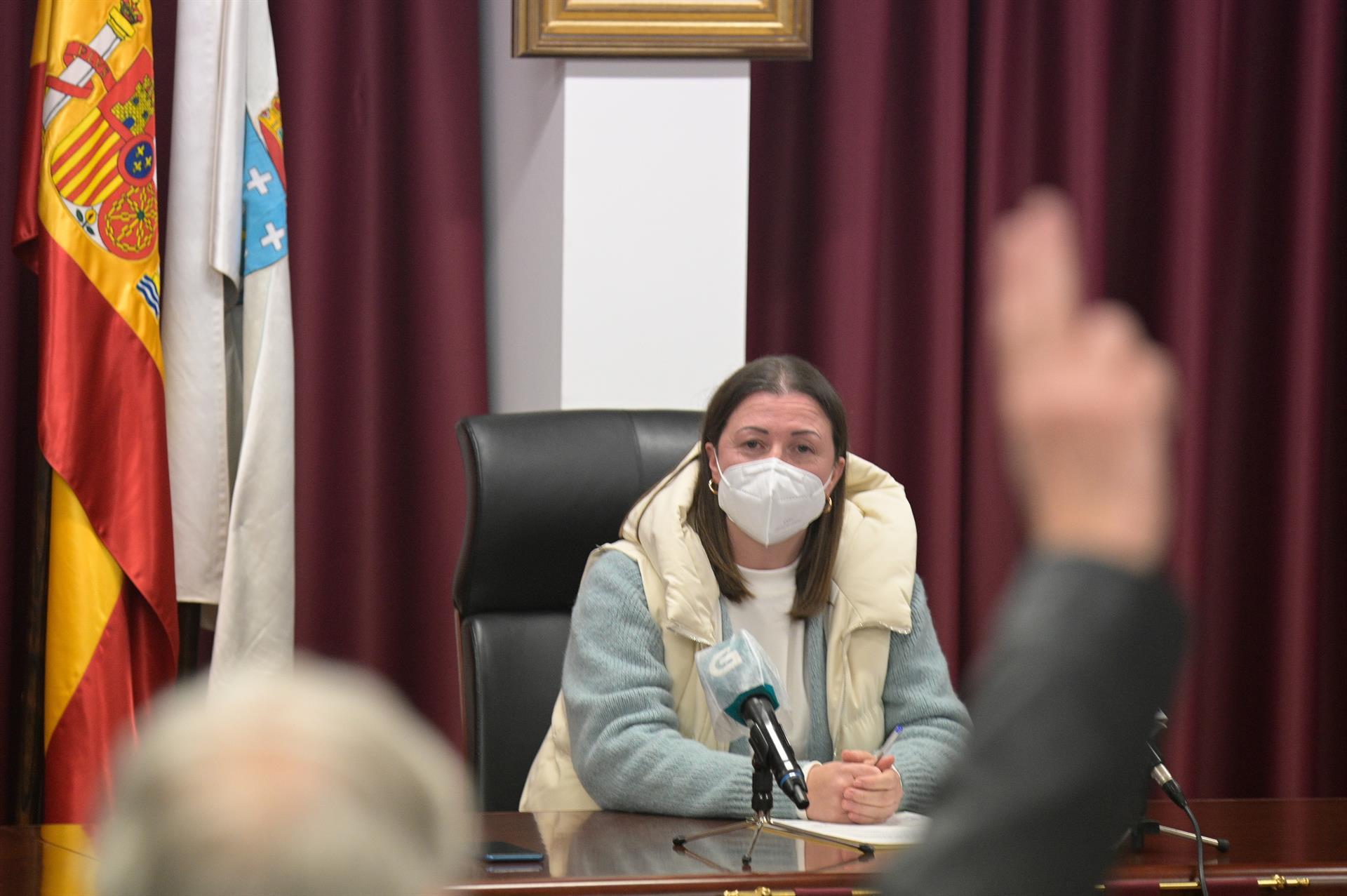 Cinco ediles del PP protegen a la alcaldesa que se vacunó del coronaviurs