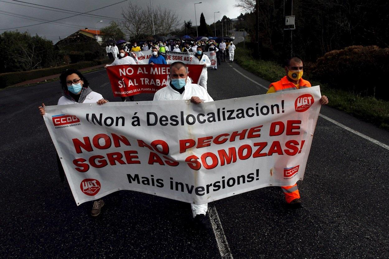 """Siemens Gamesa abandona As Somozas. La plantilla ha votado a favor del acuerdo entre empresa y sindicatos, aunque sigue criticando que lo que se lleva a cabo es """"una deslocalización en toda regla"""". EFE/Kiko Delgado"""
