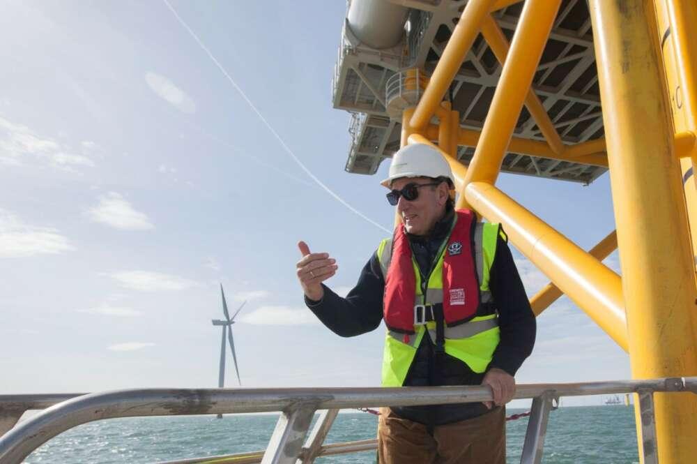 Iberdrola sondea Galicia para instalar el mayor parque de eólica marina de España
