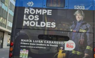 La campaña publicitaria de Leche Río en uno de los autobuses de Madrid