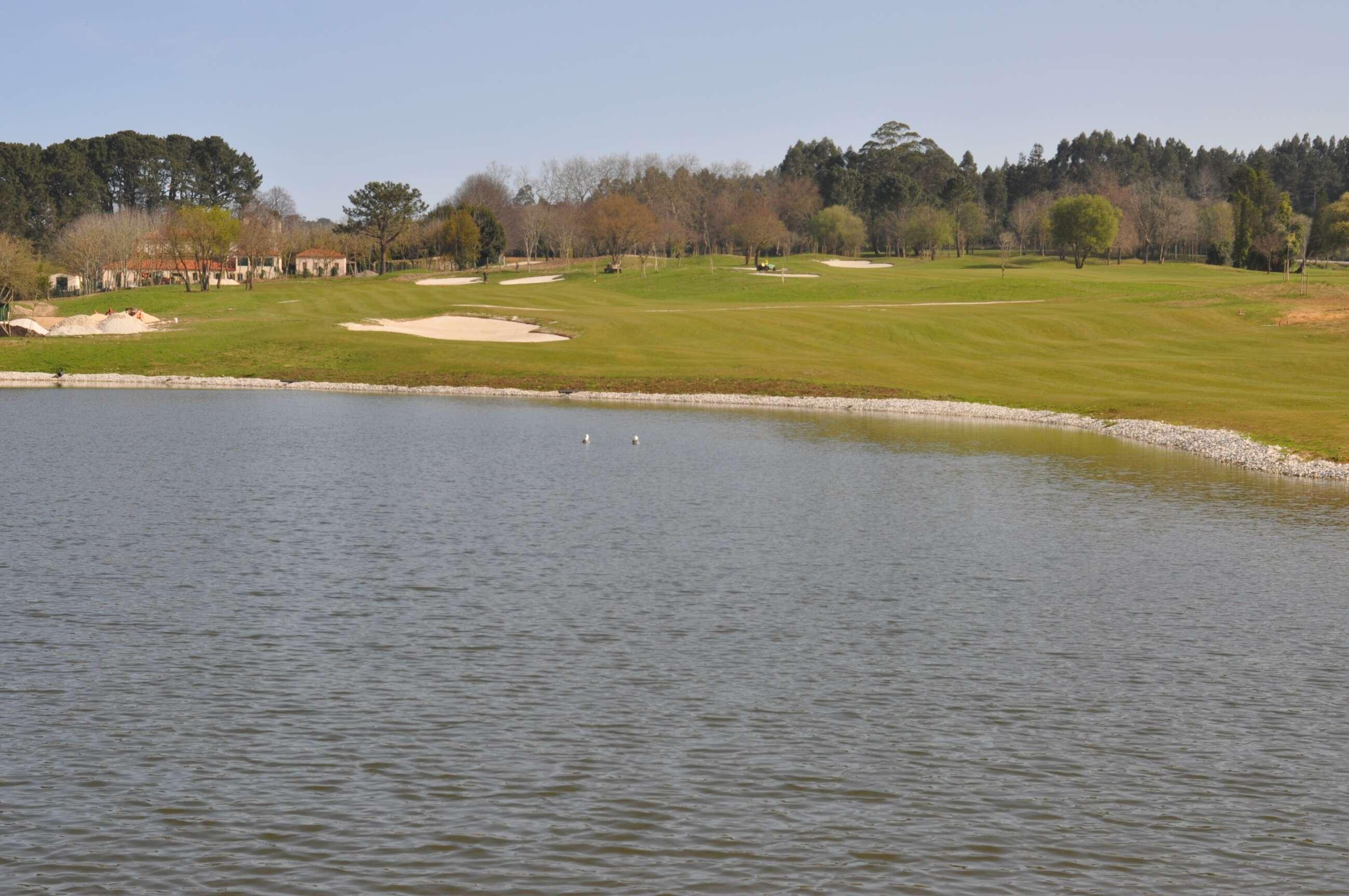 Inveravante prevé abrir el campo de golf de Xaz, en Oleiros, en mayo