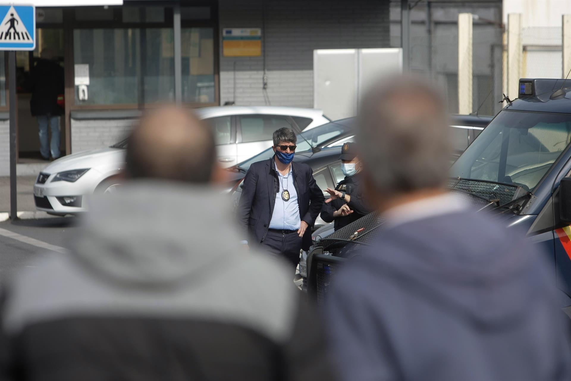 La UDEF realizó un registro en las factorías de Alu Ibérica de A Coruña y Avilés en el marco del juicio en la Audiencia Nacional. E.P.