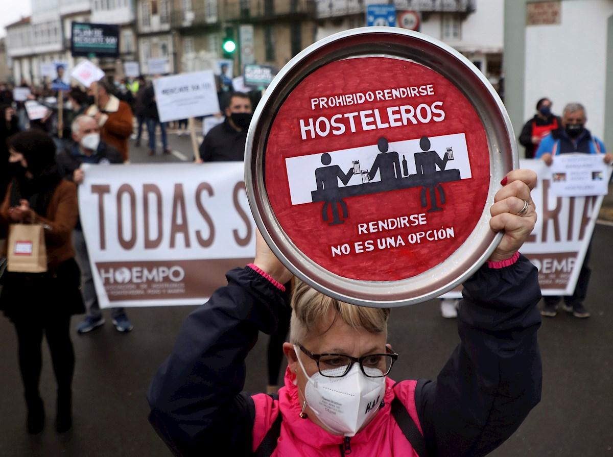 """La hostelería se harta: """"La mitad de los locales seguirán cerrados a pesar del aumento de horario"""""""