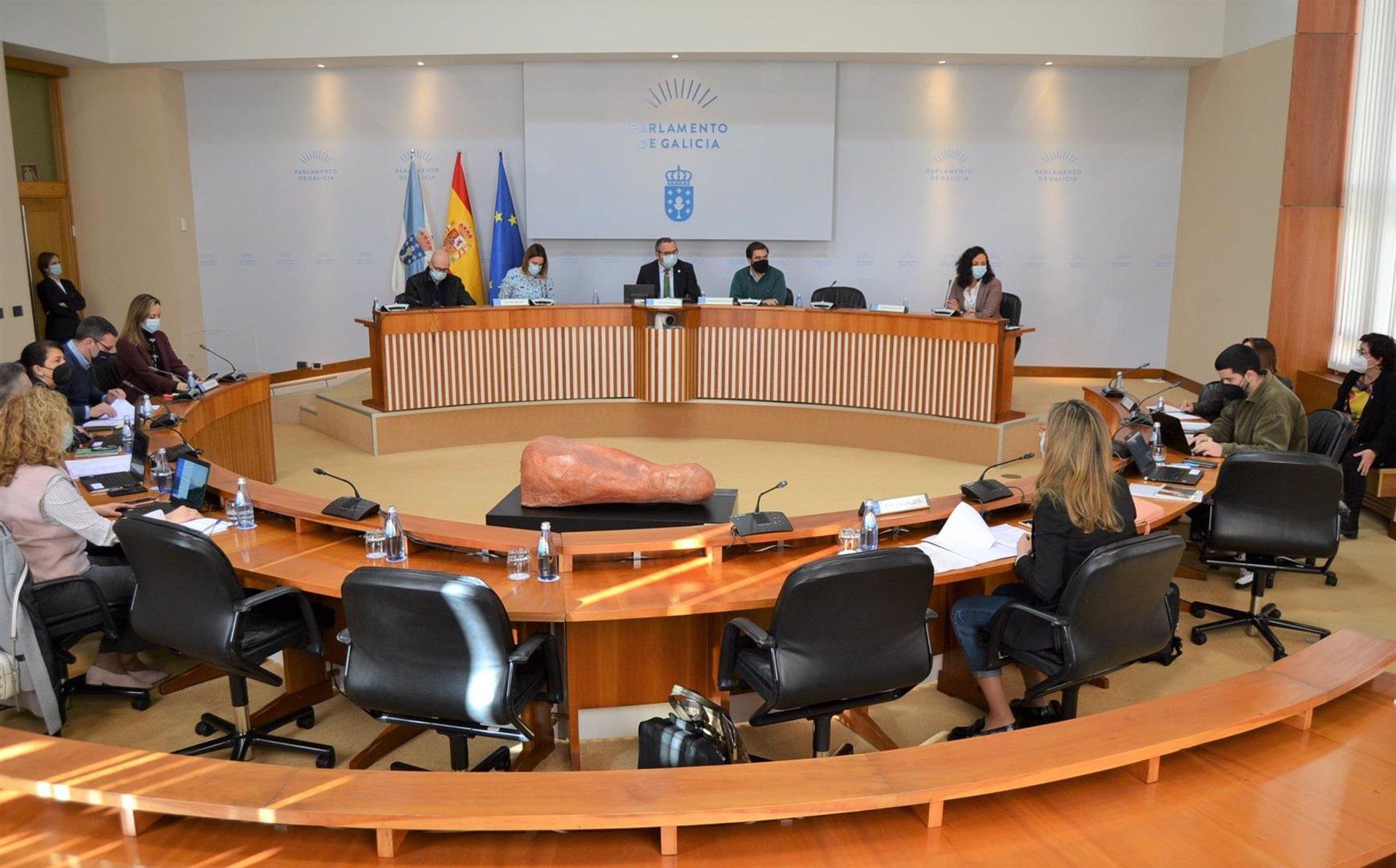 """El Parlamento exige que el Estado """"cubra el 100%"""" de las plazas de la Sanidad Marítima en Galicia"""