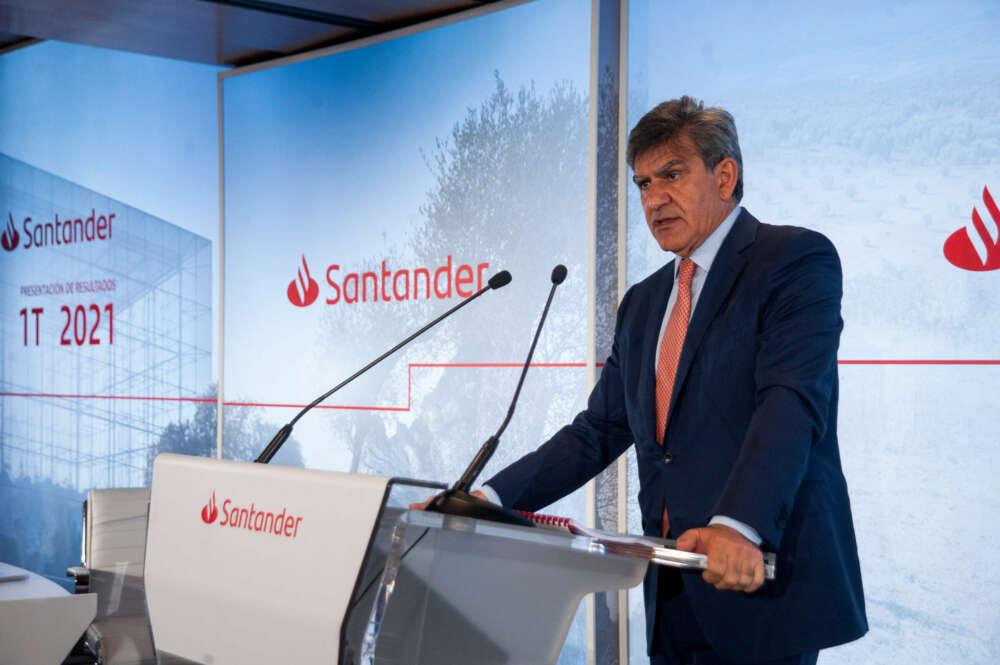 El consejero delegado del Santander, José Antonio Álvarez, dice que el esquema de remuneración de la banca es el más regulado
