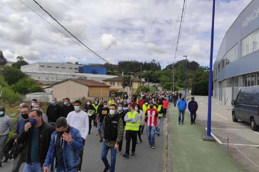 Protesta de los trabajadores de Caamaño en el concello de Culleredo