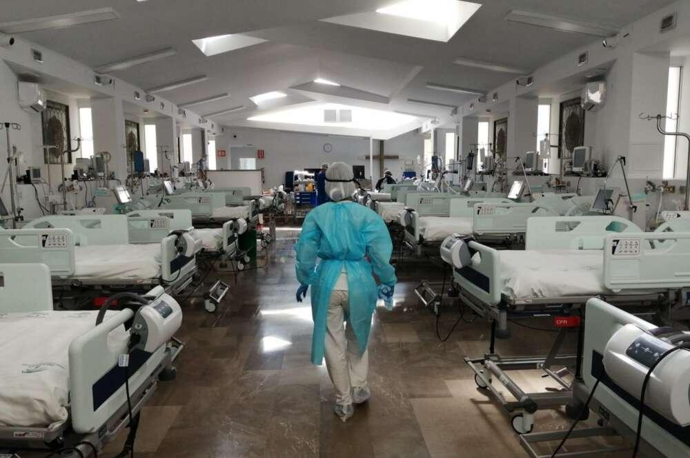 Capilla del Hospital Virgen de las Nieves habilitada como UCI. Foto: Europa Press