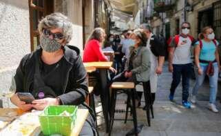 Imagen de vecinos de Vigo en unas terrazas de la ciudad. Foto: Europa Press