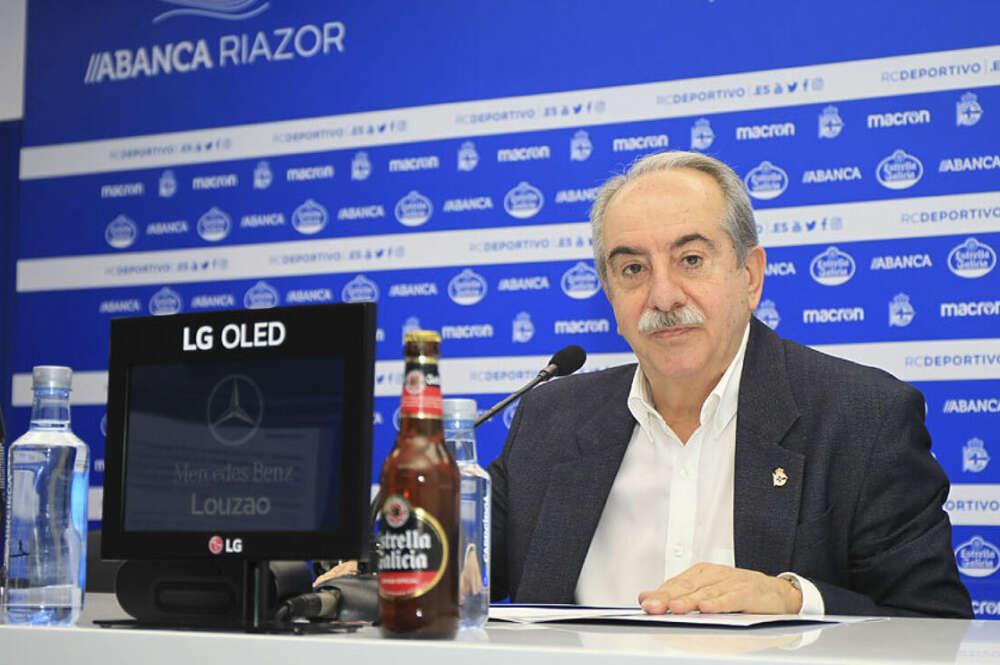 Antonio Couceiro en una rueda de prensa como presidente del Deportivo
