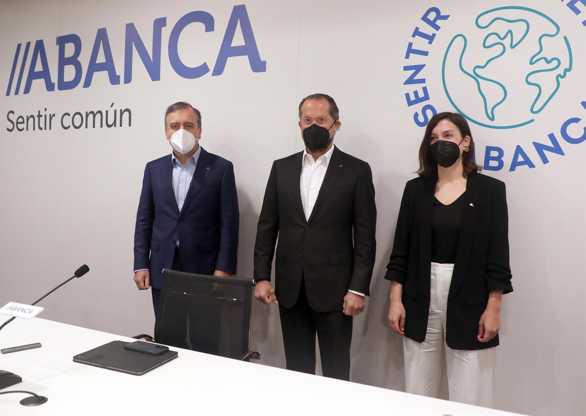 Los planes de Abanca: ni cierre masivo de oficinas ni reducción de plantilla