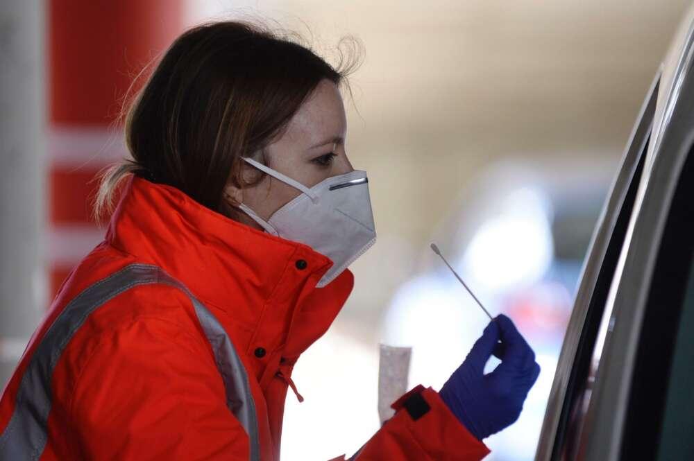 """Guerra en la patronal de fabricantes de mascarillas: """"Pagas para que luego no hagan nada"""""""