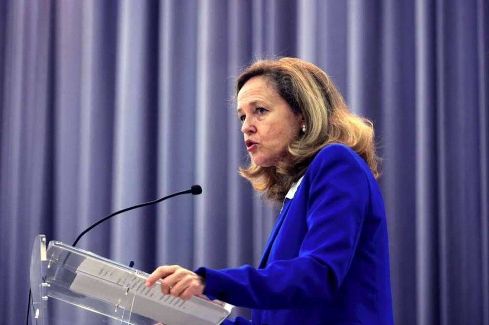 La vicepresidenta económica, Nadia Calviño, en un acto en la Facultad de Económicas de la Universidad de A Coruña. EFE/Cabalar