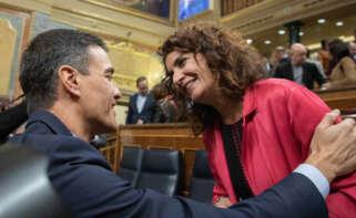 Pedro Sánchez y María Jesús Montero / EFE