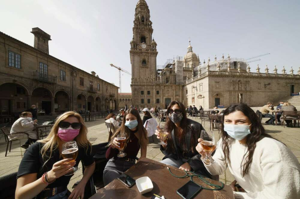 El 80% de los contagios por Covid en Galicia afecta a menores de 40 años