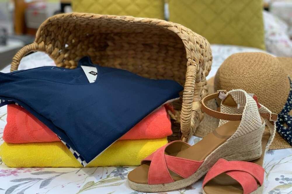 Carrefour recibe las rebajas con una nueva colección de moda en A Coruña