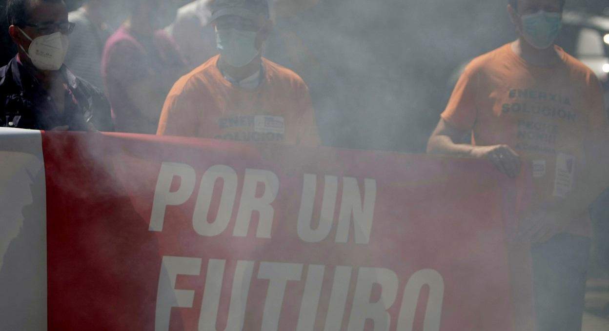Concentración trabajadores de Alu Ibérica. EFE/Cabalar
