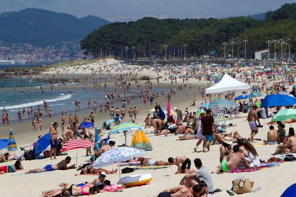 El Covid amenaza el verano: cuatro de las siete ciudades gallegas están en riesgo máximo