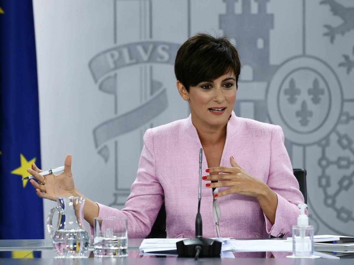 La portavoz del Gobierno, Isabel Rodríguez, descarta exigir el certificado Covid a los no vacunados para acceder a la hostelería / EFE