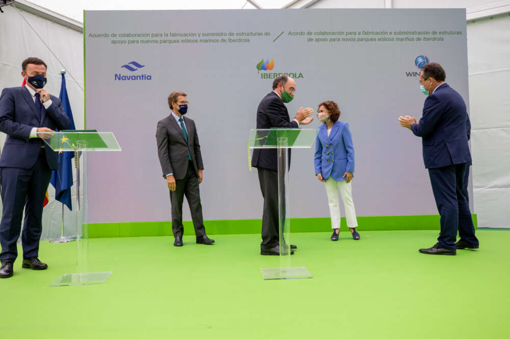 Windar, Iberdrola y Navantia firman un convenio para que os astilleros públicos suministren cimentaciones de parques eólicos / Xunta