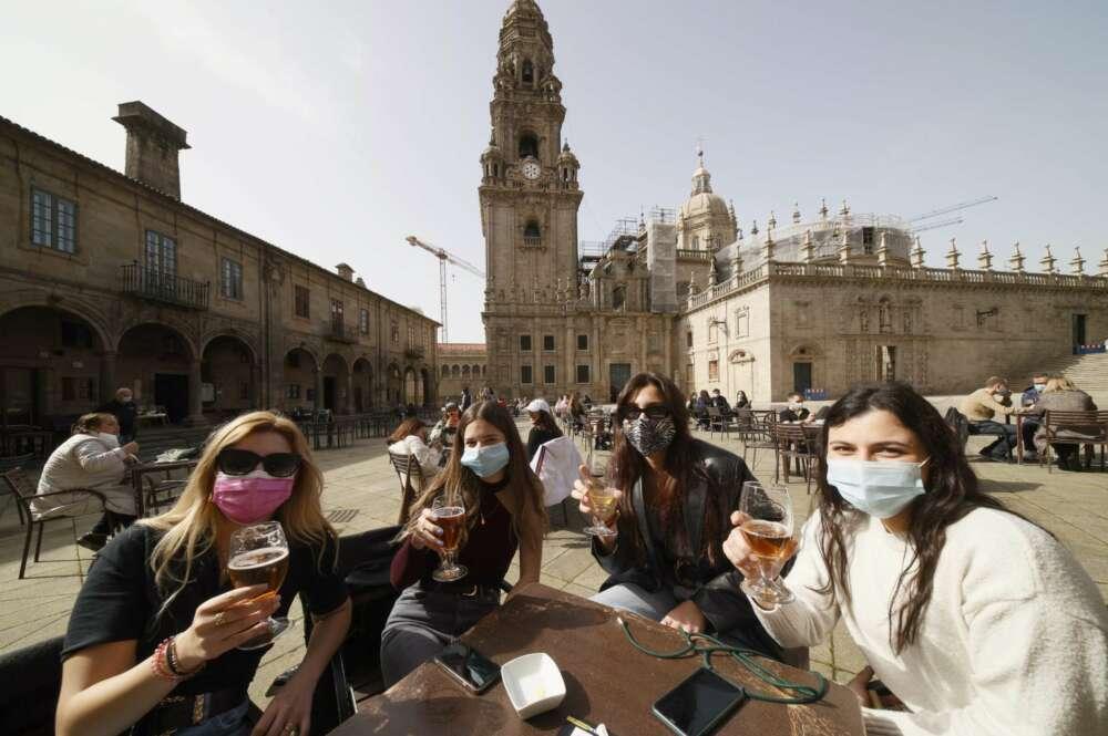 División entre los hosteleros gallegos por la posible vuelta del certificado Covid tras el fallo del Supremo