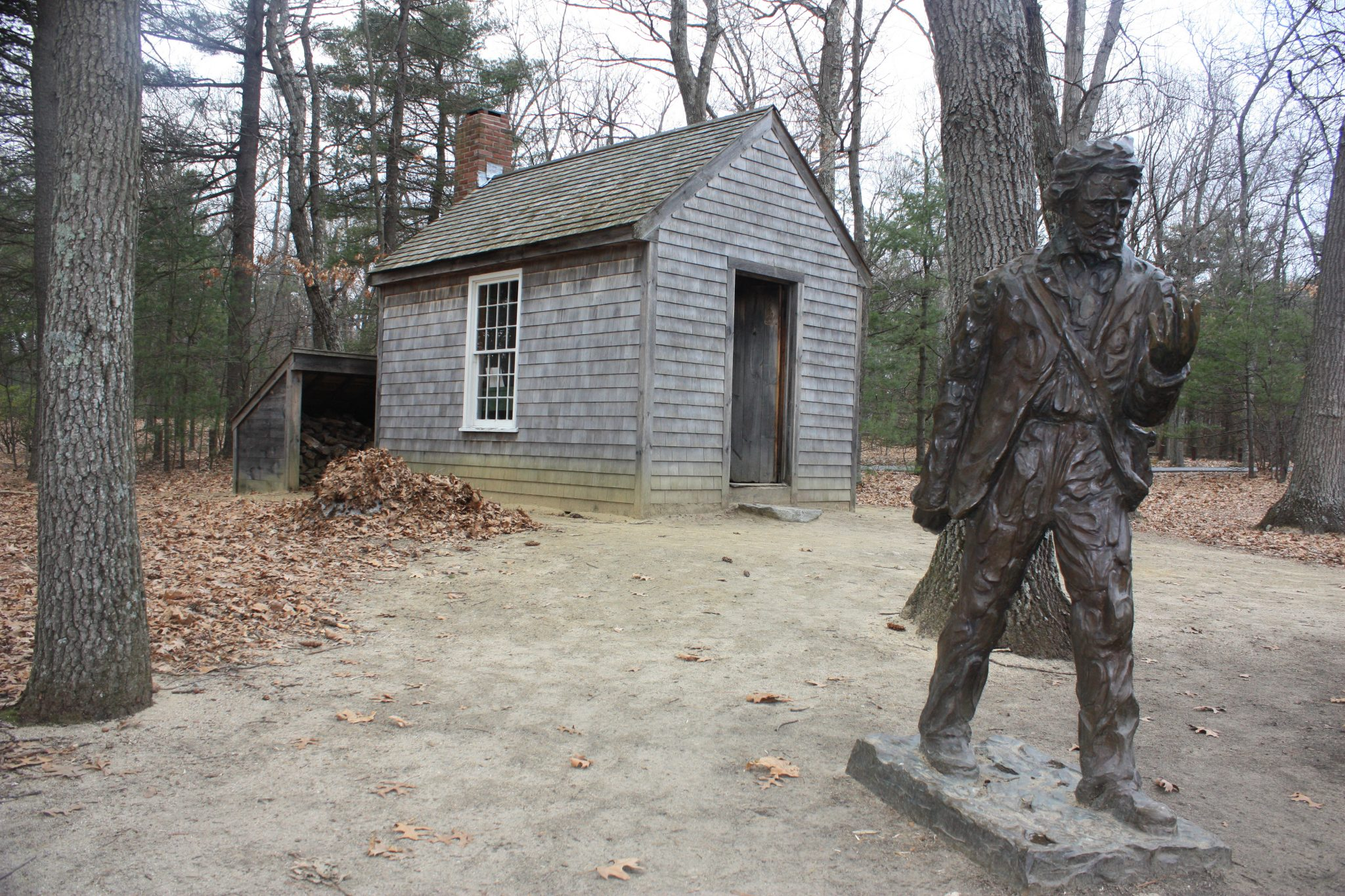 Réplica de la cabaña de Henry David Thoreau en Walden Pond