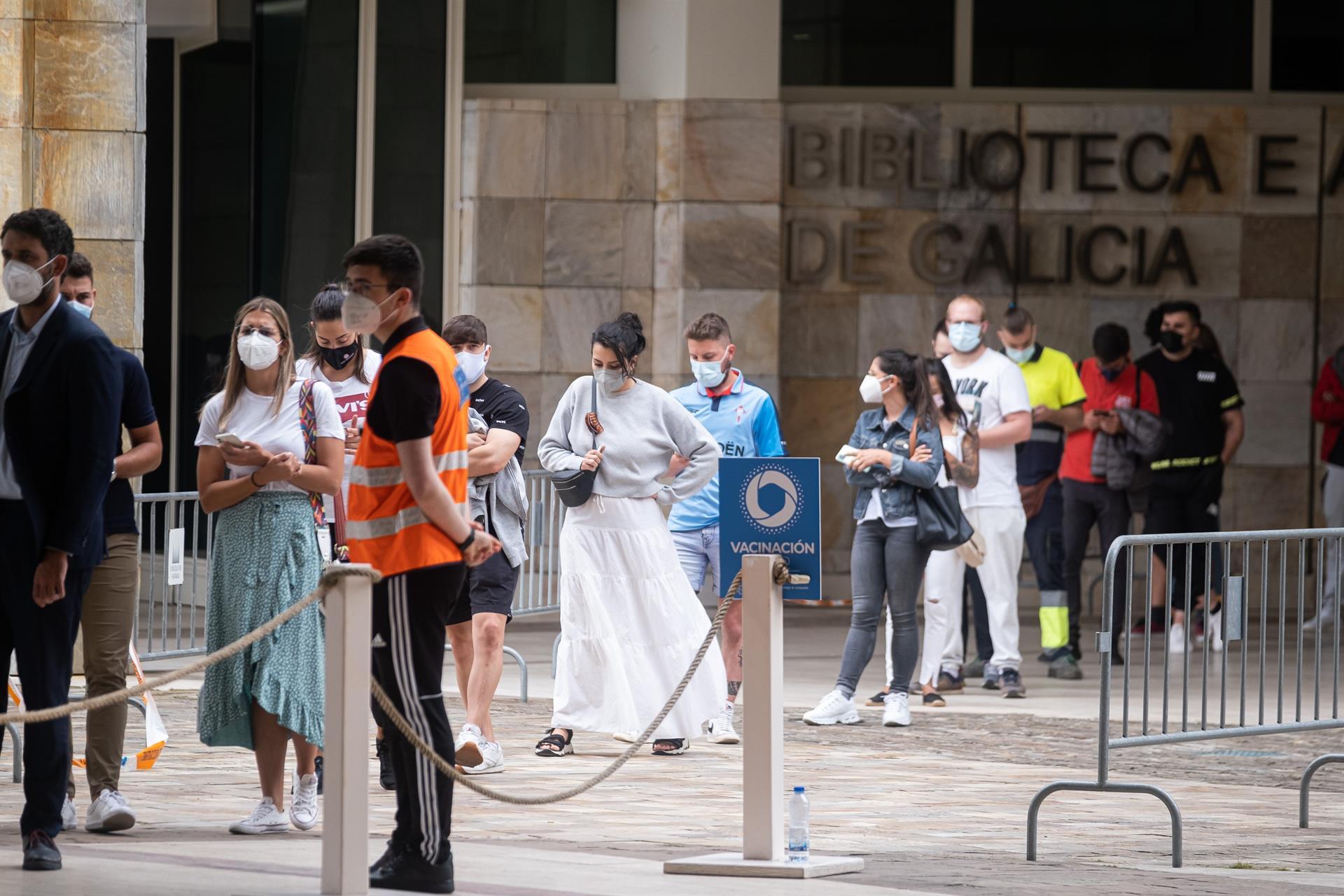 Vacunación de menores de 30 años en la Cidade da Cultura - ARXINA