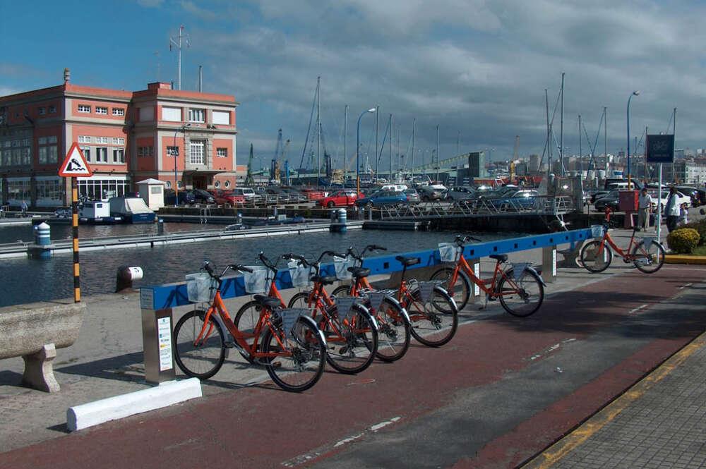 Punto de recogida y aparcamiento de la red pública de bicicletas de A Coruña