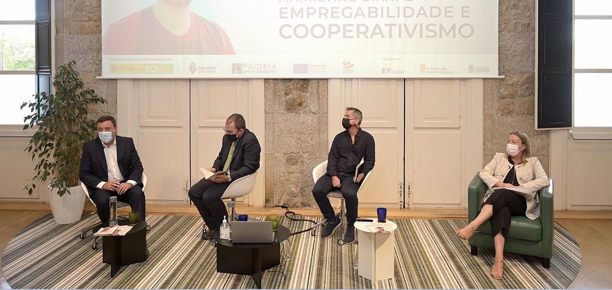 Valentín González Formoso y Raül Blanco en un acto en la Fundación Paideia en A Coruña. Foto: Europa Press