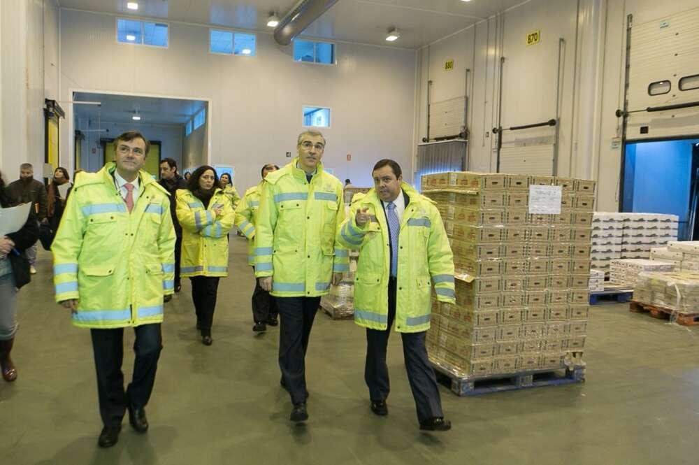 Francisco Conde y Roberto Tojeiro en una visita del conselleiro a la planta de Gadisa en Betanzos / EP