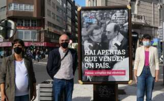 """Pontón tira de la foto del abrazo con Sánchez Galán para retratar a un Núñez Feijóo """"cómplice"""" con las eléctricas"""