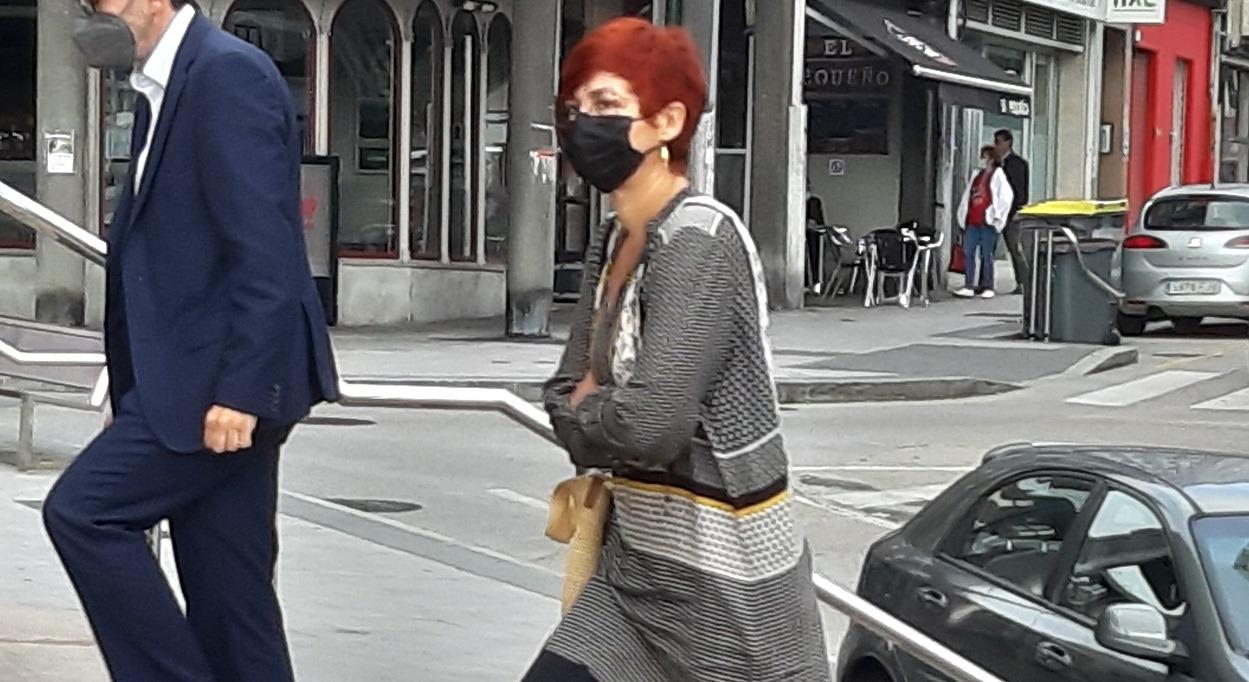 Sandra Ortega, a la entrada de los juzgados de A Coruña, en la calle Monforte. Foto: Economía Digital Galicia
