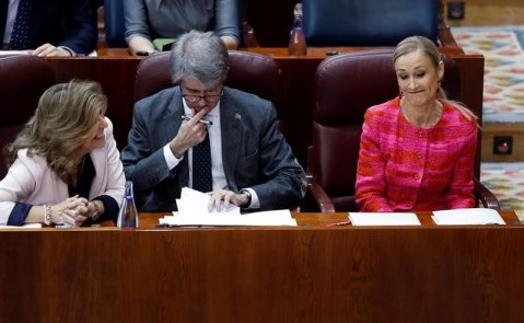 Cristina Cifuentes a su llegada al Pleno de la Asamblea de Madrid / EFE