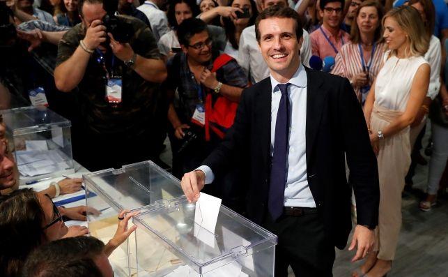 Casado no puede escorar al centro política porque Rivera se aprovecharía |EFE