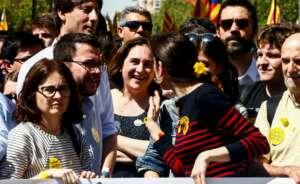 ada colau participo en la manifestacion del domingo convocada por entidades sobe