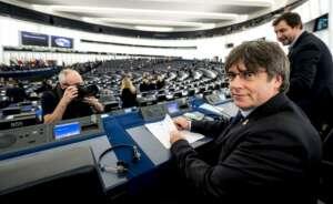 carles puigdemont en su primer dia en el parlamento europeo efe