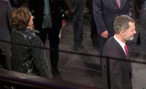 el rey felipe vi y la alcaldesa de barcelona ada colau durante la cena de bienve