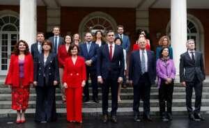 pedro sanchez formo un consejo de ministras y ministros