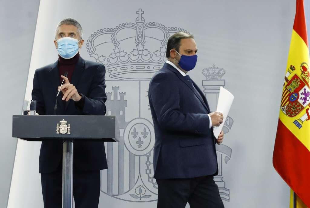 Los ministros Fernando Grande-Marlaska (Interior) y José Luis Ábalos (Transportes) en una rueda de prensa para informar sobre el temporal Filomena, el 11 de enero de 2021   EFE/Ballesteros/Archivo