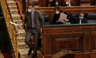 El presidente del Gobierno, Pedro Sánchez; la vicepresidenta primera, Carmen Calvo; y el vicepresidente segundo, Pablo Iglesias, durante la sesión de control del 17 de febrero de 2021 en el Congreso | EFE/JCH