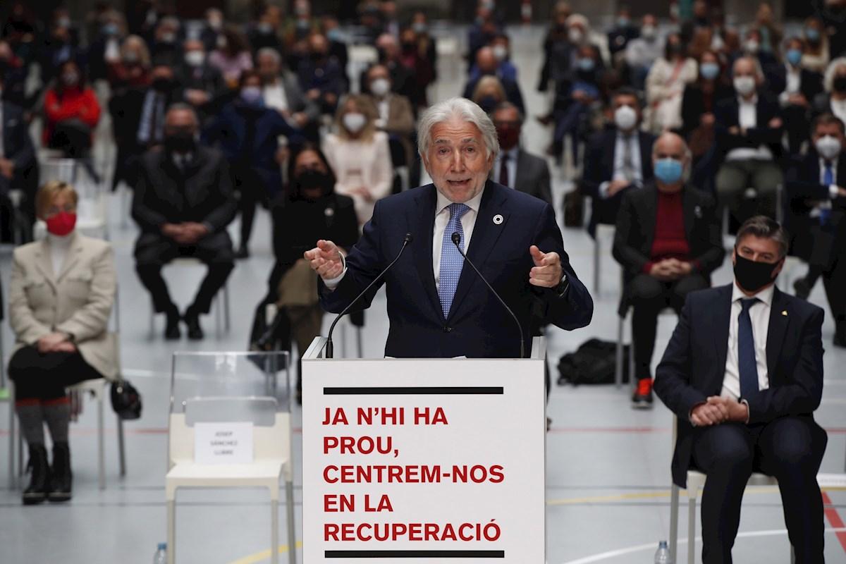 El presidente de Foment del Treball, Josep Sánchez Llibre, durante su intervención en el acto celebrado por el mundo empresarial catalán en Barcelona contra la violencia en las calles, el 4 de marzo de 2021 | EFE/AG