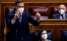 El presidente del Gobierno, Pedro Sánchez, responde a una pregunta en presencia de su vicepresidenta primera, Carmen Calvo, durante una sesión de control al Gobierno. EFE/Mariscal