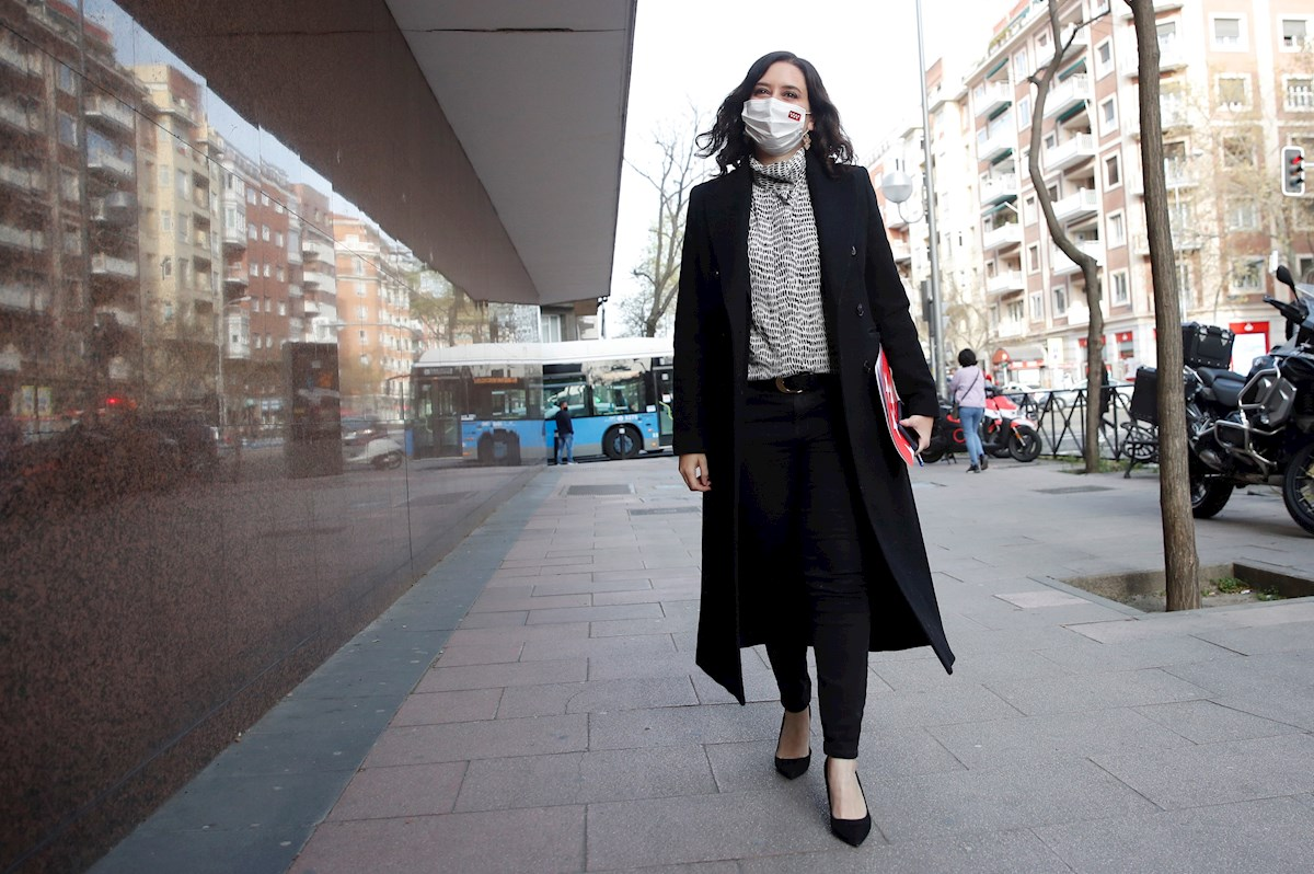 La presidenta de la Comunidad de Madrid, Isabel Díaz Ayuso, a su llegada a un acto del PP, el 29 de marzo de 2021 | EFE/JCH