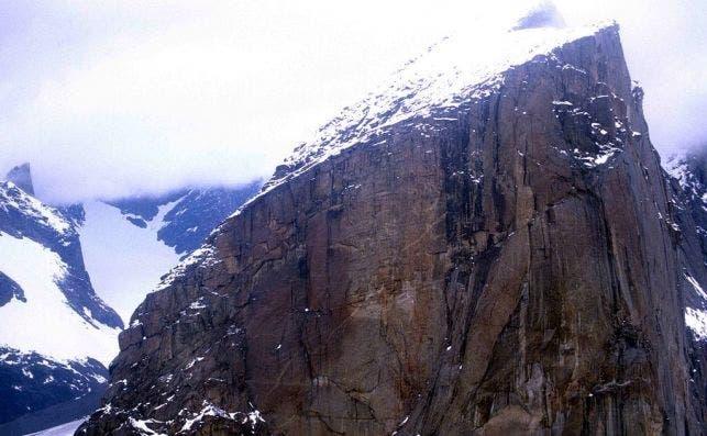 1024px Mount Thor Peak 1997 08 07