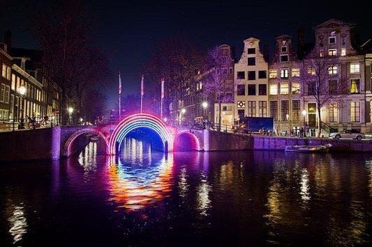 Obra de arte del Festival de la Luz de Ãmsterdam. Foto: Instagram